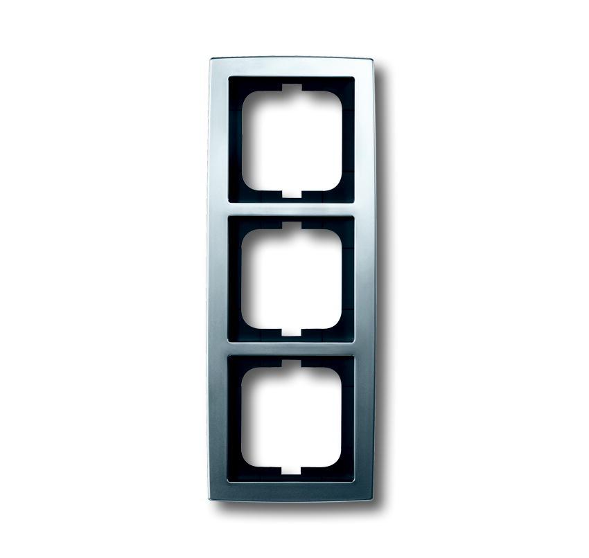 busch jaeger solo 1723 80 3 fach rahmen chrom matt. Black Bedroom Furniture Sets. Home Design Ideas