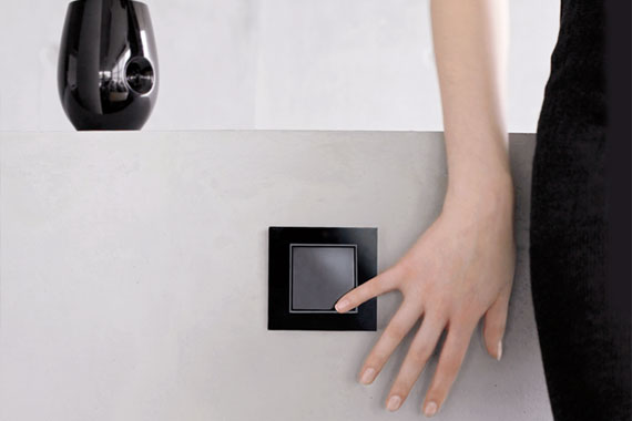 berker b 7 glas rahmen schalter steckdosenshop. Black Bedroom Furniture Sets. Home Design Ideas